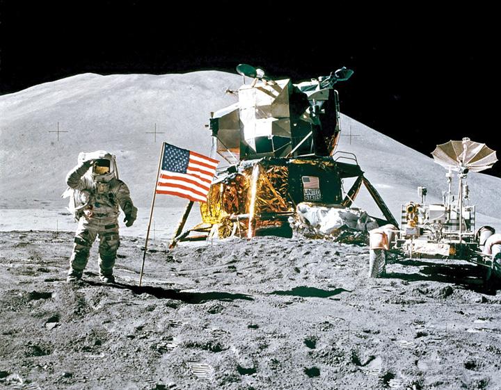 luna bun America mai vrea o tura pe Luna