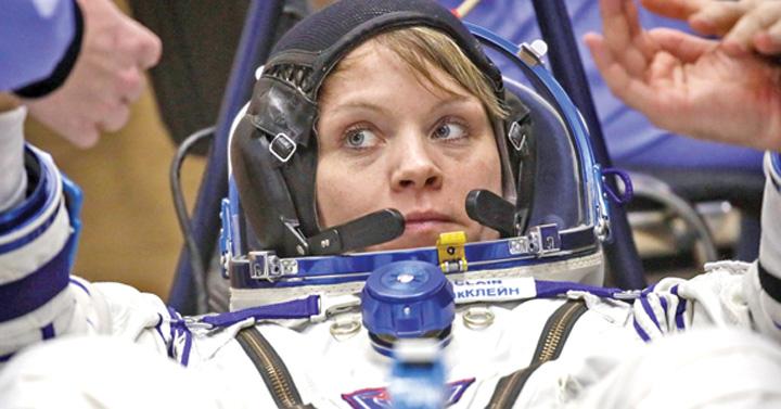 nasa 1 Necazuri la NASA: femeile n au costume pe masura