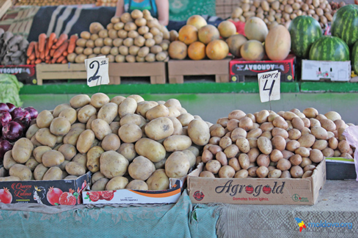 """piata centrala cartofi Inflatia scumpeste """"mancarea saracului"""""""