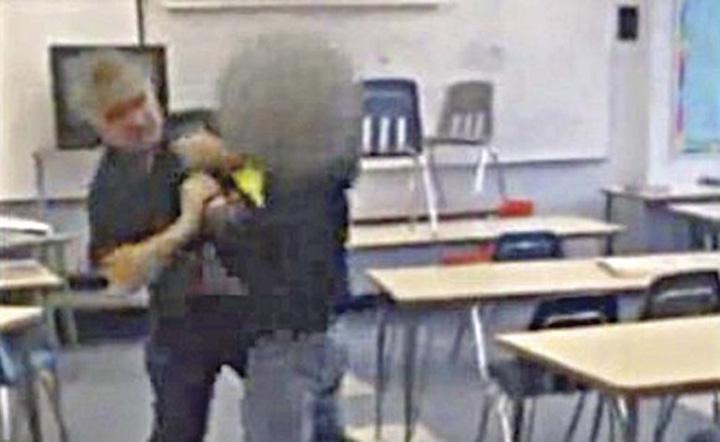 profesor bataus Profesor condamnat pentru lovirea unor elevi