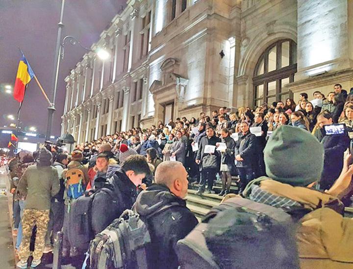 protest 2 Procuror, buna reputatie. Ma declar nul