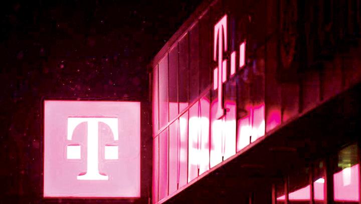 telekom Telekom ingroasa obrazul