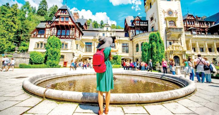 turisti Turistii straini au cheltuit in Romania peste 6 miliarde de lei
