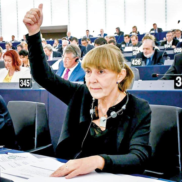 Monica Macovei Euroscepticii, organul extirpat al UE