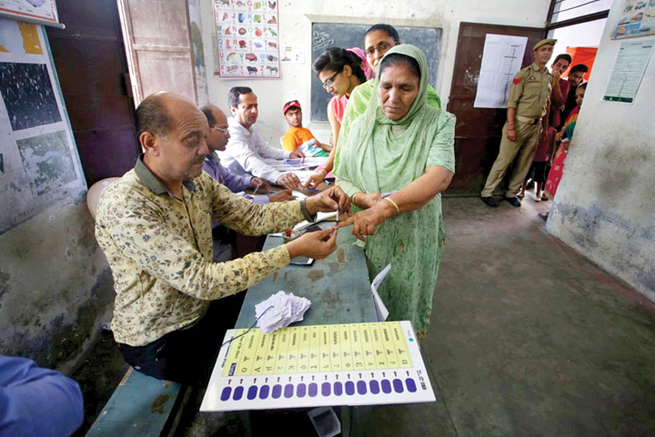 alegeri india 1 Cum se desfasoara cele mai mari alegeri din istoria lumii. Scrutinul dureaza 6 saptamani