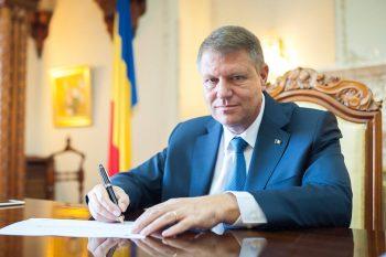 iohannis 6 350x233 Iohannis l a felicitat pe actorul devenit presedinte al Ucrainei