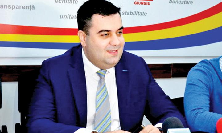 ministrul cuc Ministrul Cuc, dus de Tarom la DNA