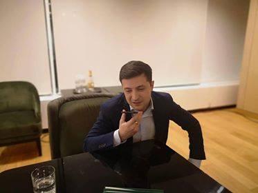 presed ucr Iohannis l a felicitat pe actorul devenit presedinte al Ucrainei