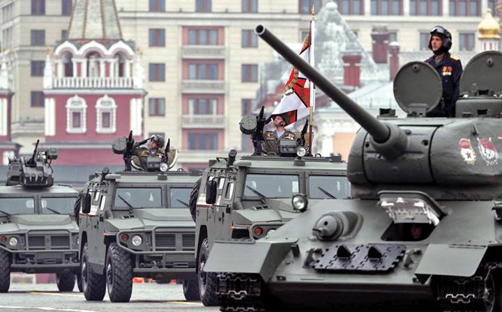 2 1 Rusia isi arata muschii de Ziua Europei