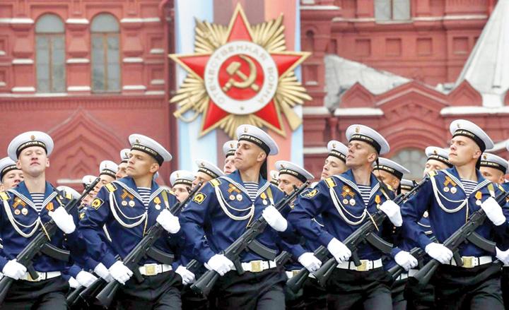 8 Rusia isi arata muschii de Ziua Europei