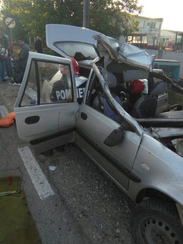 accid giurgiu 375x500 Masina facuta praf. Accident cu cinci raniti in Giurgiu