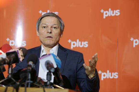 ciolos Cioloș a lăsat absolutul pentru politică. Oare de ce?
