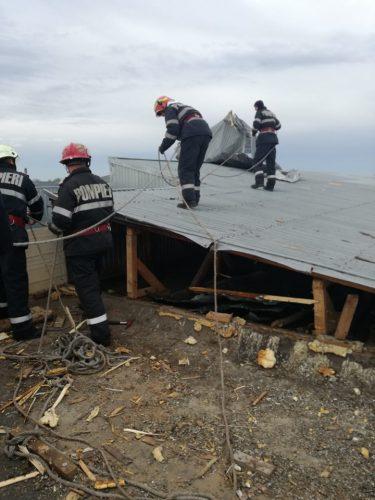 furtuna 375x500 S au evaluat pagubele provocate de tornada la Dragalina, in Calarasi