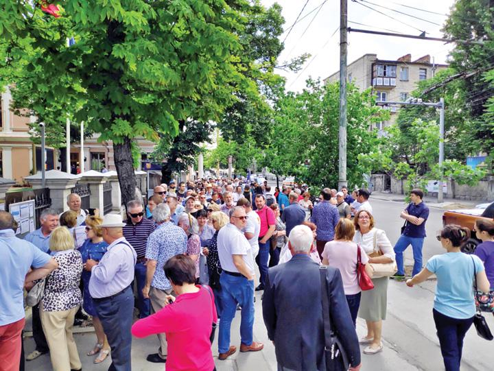 moldovenicetatean 600.000 de moldoveni, transformati in cetateni romani cu drept de vot