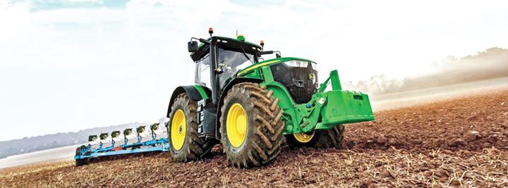 Tractorist Statul pompează un miliard de lei în liceele agricole. Elevii fug de ele!