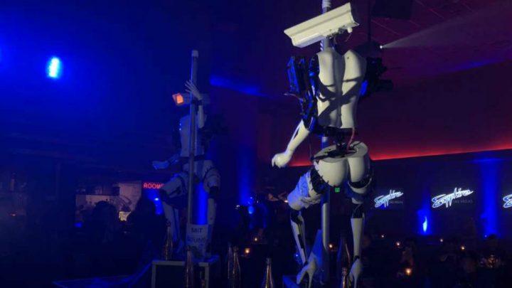 roboti2 720x405 Roboţii pe tocuri care dansează la bară