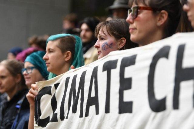 2 3 Dictatura activiştilor de mediu