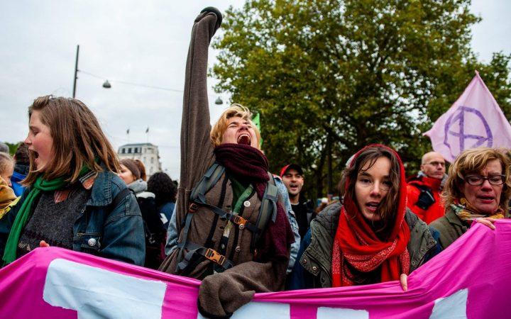 Dictatura activiştilor de mediu