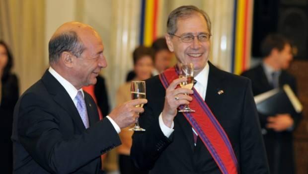 gittenstein Băsescu, gunoierul Americii!