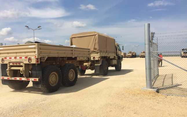 cap gardu Banii de autostrăzi, dați pe gardul US Army!