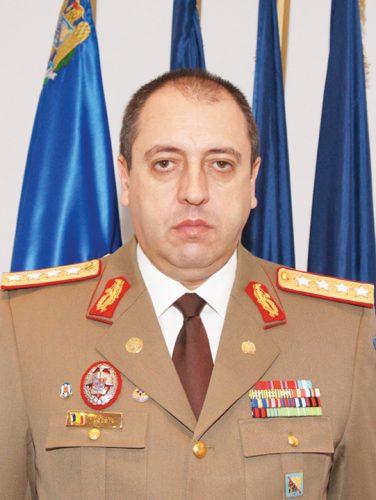 hapau Cutremur în Servicii : Iohannis îi vrea capul!