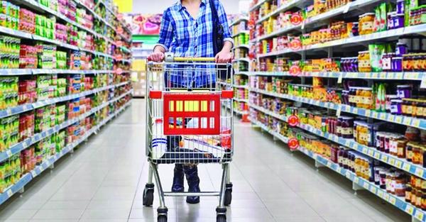 superm Supermarketurile au învins. Fără produse românești pe rafturi