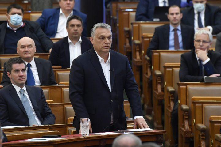 orban mti 720x480 Viktor Orban pune biciul pe băncile Occidentului!